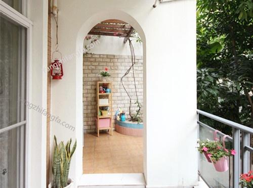 充满绿色的阳台装修效果图—小阳台大春天